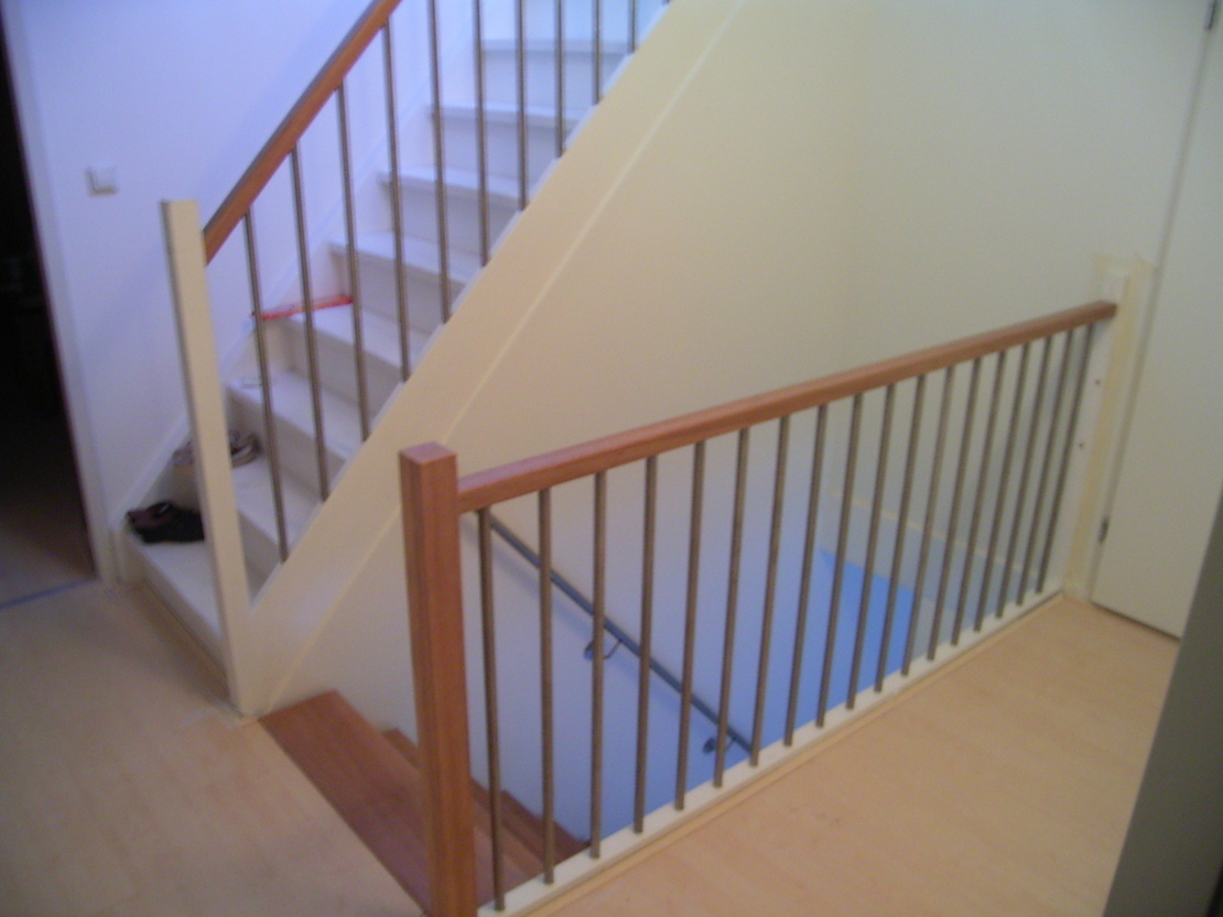 Houten balustrade binnen - Balustrade trap ...