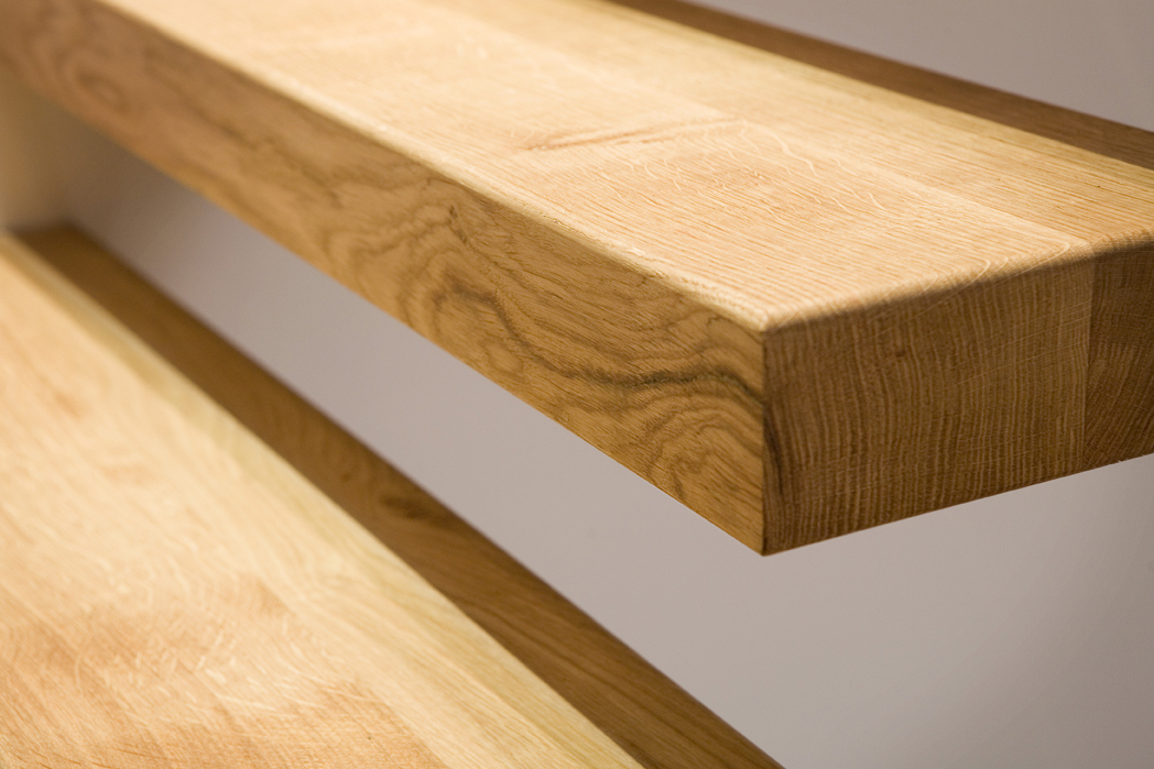 Zwevende trap met houten treden - Houten trap ...