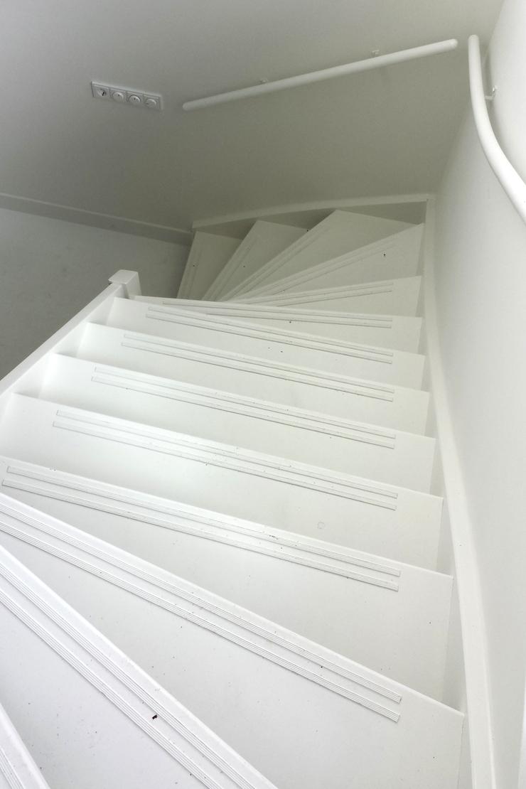 Witte houten trap kwartslag zdt01 - Witte houten trap ...