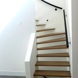 Houten trap - Moderne trap kwartslag ...
