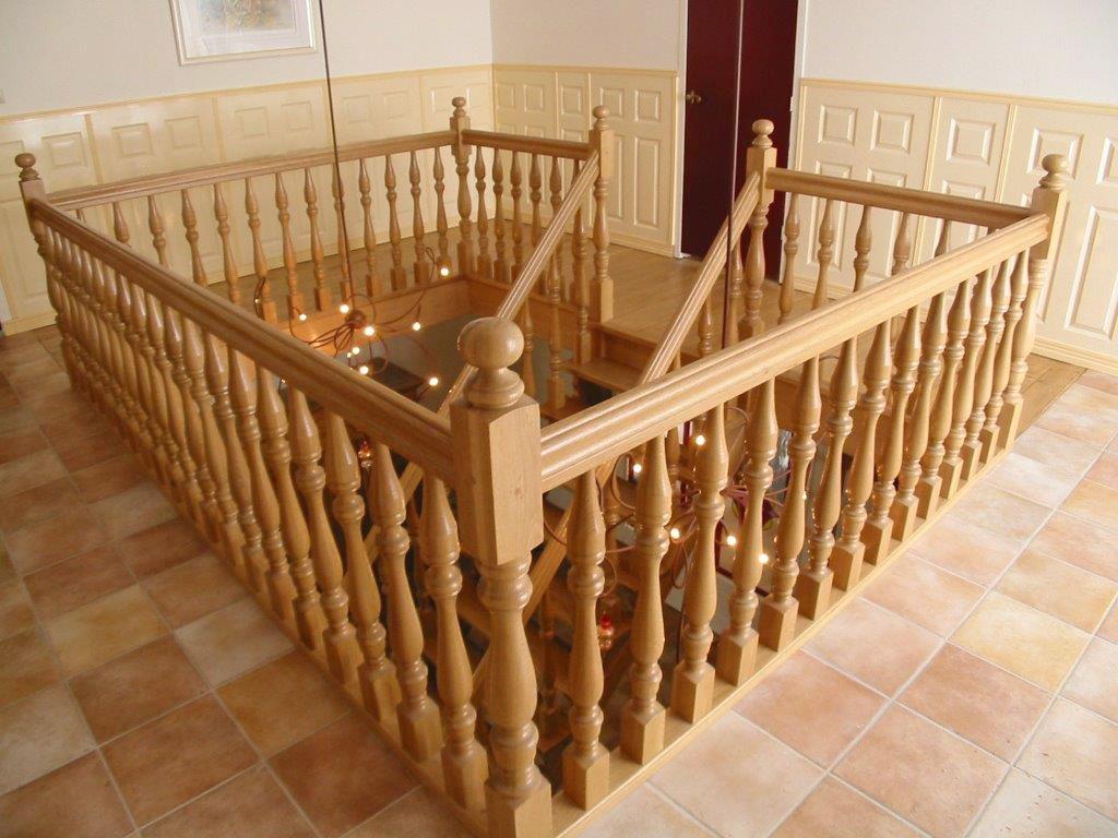 Klassieke houten balustrade bal60 for Bordestrap hout