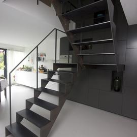 Stalen trap - Binnen trap ...