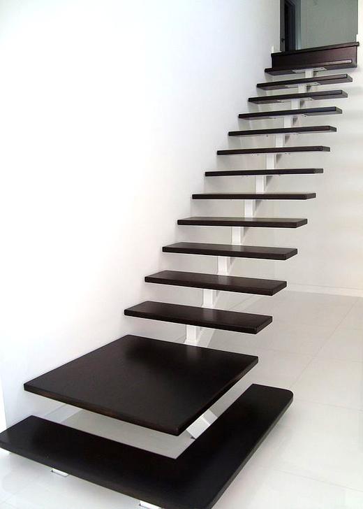 Rechte trap met bordes mdb21 for Buitentrap met bordes