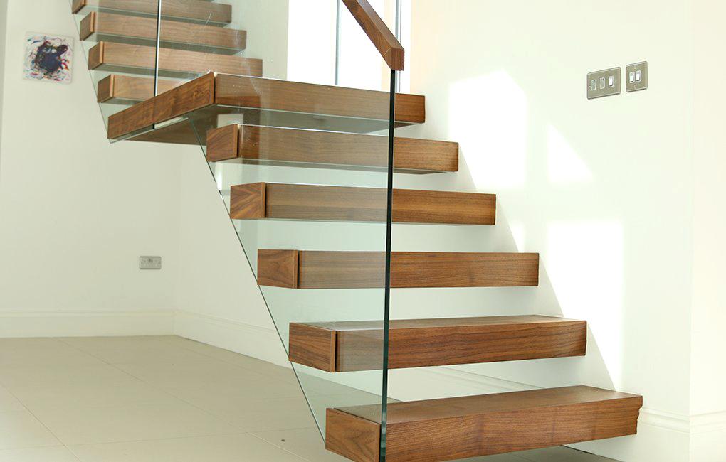 Design trap met glas en hout zwt06 for Spiltrap hout