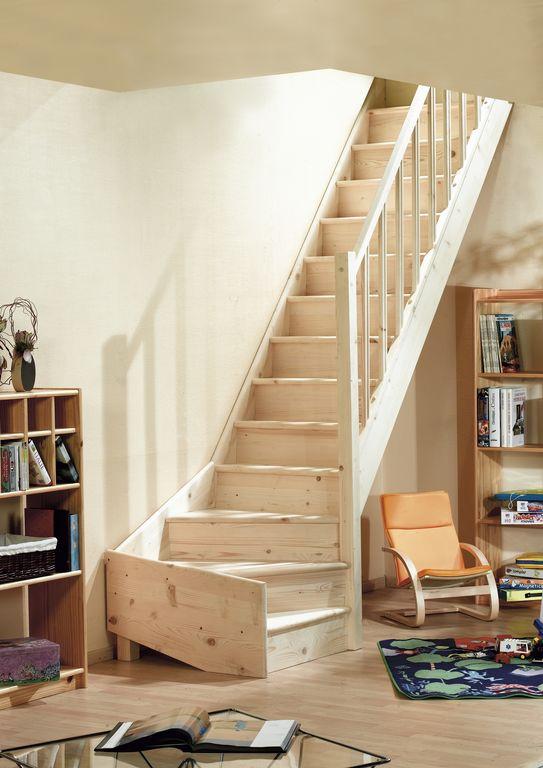 houten trap met kwartslag beneden zbt03